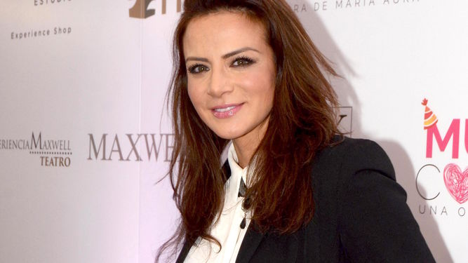 3 Times Telenovelas Star Silvia Navarro Showed Amazing On-Screen Romantic Chemistry