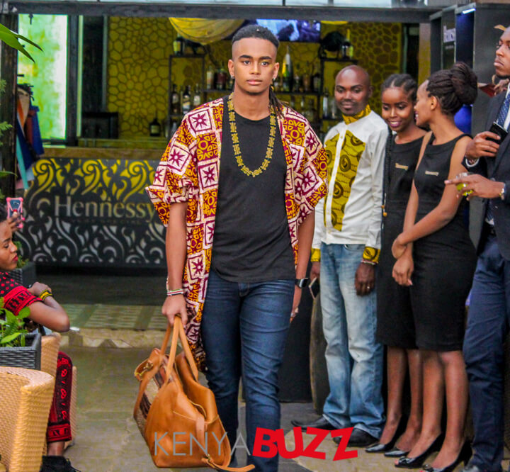 Fashion Bloggers Runway Show at Privee(30/09/2017)