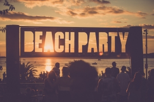 5 Awesome Beach Parties Going Down This New Year's Eve!