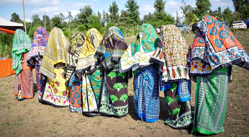 Ruracio-girls-covered