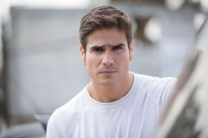 """Daniel Arenas Teams Up with Livia Brito for New Televisa Production """"Medicos"""""""