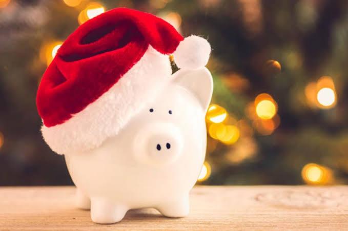 Simple Hacks to Save Money This Christmas