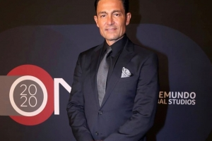 Fernando Colunga Inks Contract with Telemundo