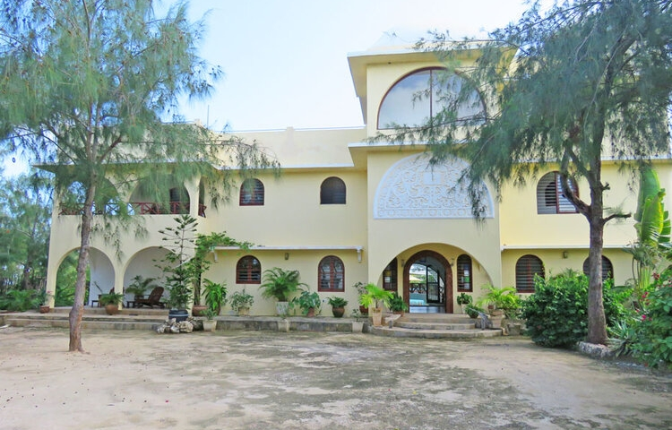Lovely 4 Bedroom Designer House in 4 Acres of Oceanfront for Sale Watamu Beach, North Watamu